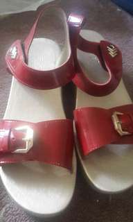 Sandal merah