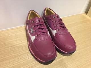 🚚 全新ASO牛皮鞋對折再對折出售