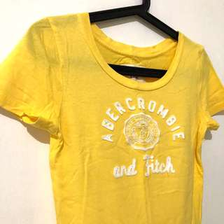 🚚 A&F 黃色棉質T-shirt