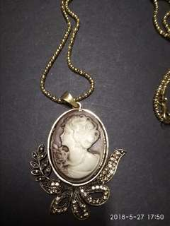 Victorian lady cameo necklace in antique finish setting