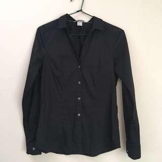 H&M Black V-neck Shirt