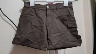 Military khaki green shorts