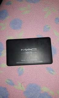 Authentic Mac matte make up
