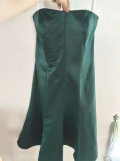 Emerald green cocktail dress for rent