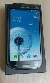 三星 行貨 Samsung Galaxy S3 4G LTE with original charger & box, 2 batteries, 9 cases, 2 new protection front mask 兩電,9套,兩前膜,原廠盒及火牛