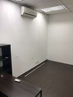 200 sqft office rental
