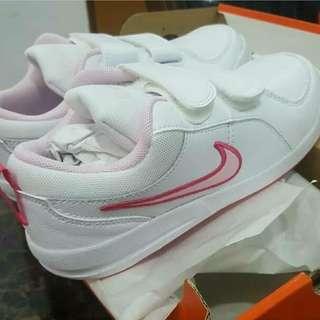 Nike Pico 4 girl