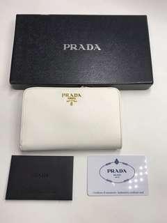 Prada Wallet罕有白色 真皮製造 全新購自意大利 全套有盒 14cmx9cm