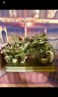 Golden Dragon Stand Holder