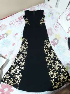 FOR SALE Black gown with gold linings