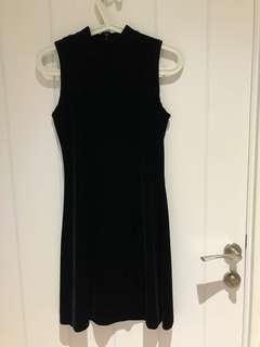 Black velvet dress (turtle neck)