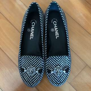 100% New CHANEL Loafers (size 36.5)
