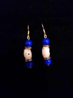 💖Ann(天然玉雕刻糖果正藍垂墜鼓珠)耳環
