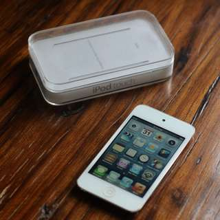 8GB iPod Touch (4th Generation)