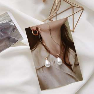 (FREE POS) Elegant Thin & Long Teardrop Shaped Pearl Gold Swirl Korean Earrings