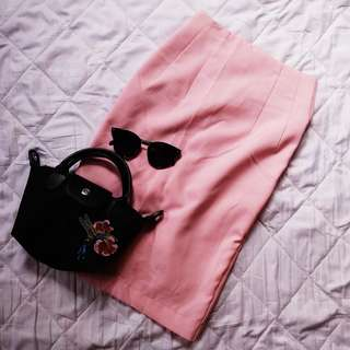 🌈High waisted pink pencil skirt w/ zipper at the back