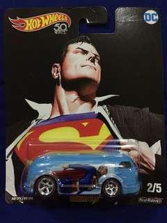 Hot Wheels DC Superman -Haulin Gas