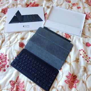 "Apple Smart Keyboard for iPad 9.7"" with box"