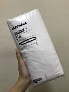 Ikea plain white bed sheet. Fargmara