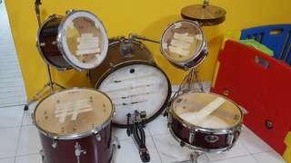 Drum set (Baojia)