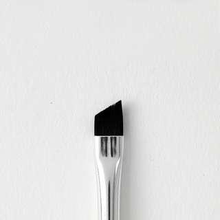 [BN FREE MAIL] angled eye brush colourpop instock