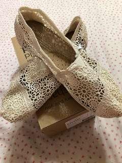 Toms白蕾絲鞋