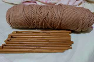 12pcs Bamboo Needles w/ Hook & Yarn