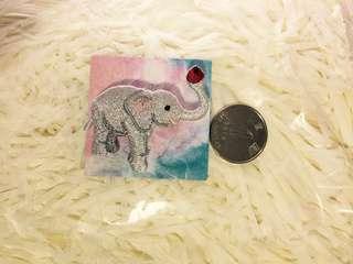 大象刺繡襟章