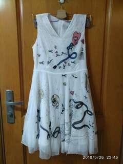 白色 刺繡可愛特別圖案 Dress
