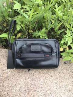 TUMI LEATHER CLUTCH ORGANIZER RAYA PROMO