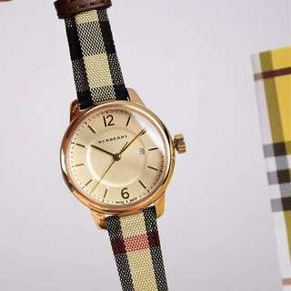 最新款🔥🔥🔥正品Burberry巴寶莉格紋表女女英表BU10104錶盤直徑32mm,格紋一直深受全球女性的青睞😍😍😍