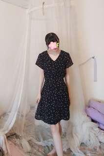 🚚 奧黛麗赫本氣質優雅洋裝 古著 雪紡 碎花 黑色  進全新