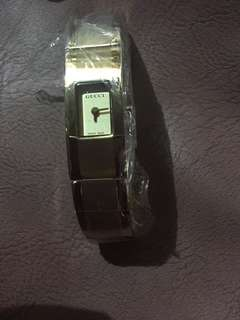Gucci gold authentic brand new watch
