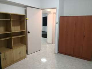 Common room for rent, near Sengkang MRT, bus interchange and Compass One