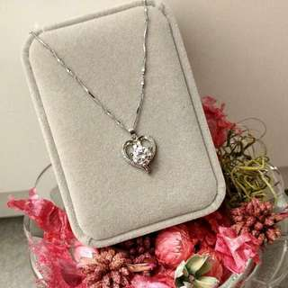 高貴心形經典款頸鏈吊墜 Elegant Heart-Shaped Classic Necklace Pendant