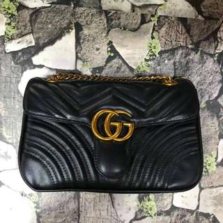 Gucci sling bag  4 color 10*6.5 inch With dustbag and card P1400  Pm me to order. #pinkmannequinshop  SC(S308)