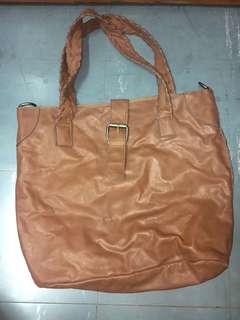 leather bag w/ sling bag inside 👜