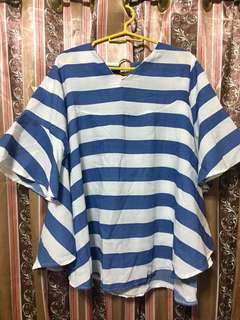 Top with Loose Sleeves