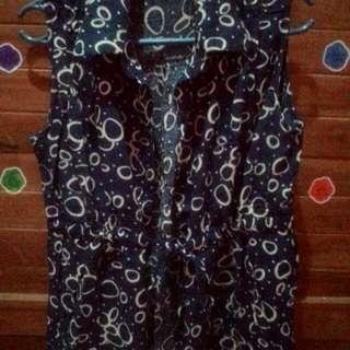 Baju, ada tali di bagian pinggang, warna biru dongker bahan adem belom dipake
