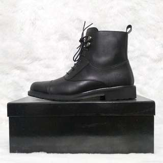 LAST PRICE From 3000 Zalora Minimalist Black Leather Boots