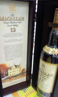 收藏級,靚水位,陳年80年代麥卡倫12年43%威士忌750ml(台灣行貨)連原装精美收藏木盒。