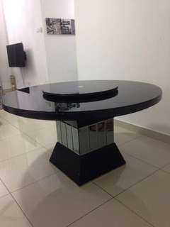 Luxurious mirror leg dining table..suitable for 8 chairs..reduced price..urgent!!!