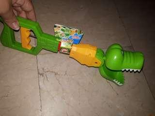Claw alligator