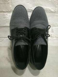 Women shoe size 5 (36)