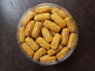 Kue kering / kue lebaran / nastar / semrit / kastengel / putri salju / kue kacang