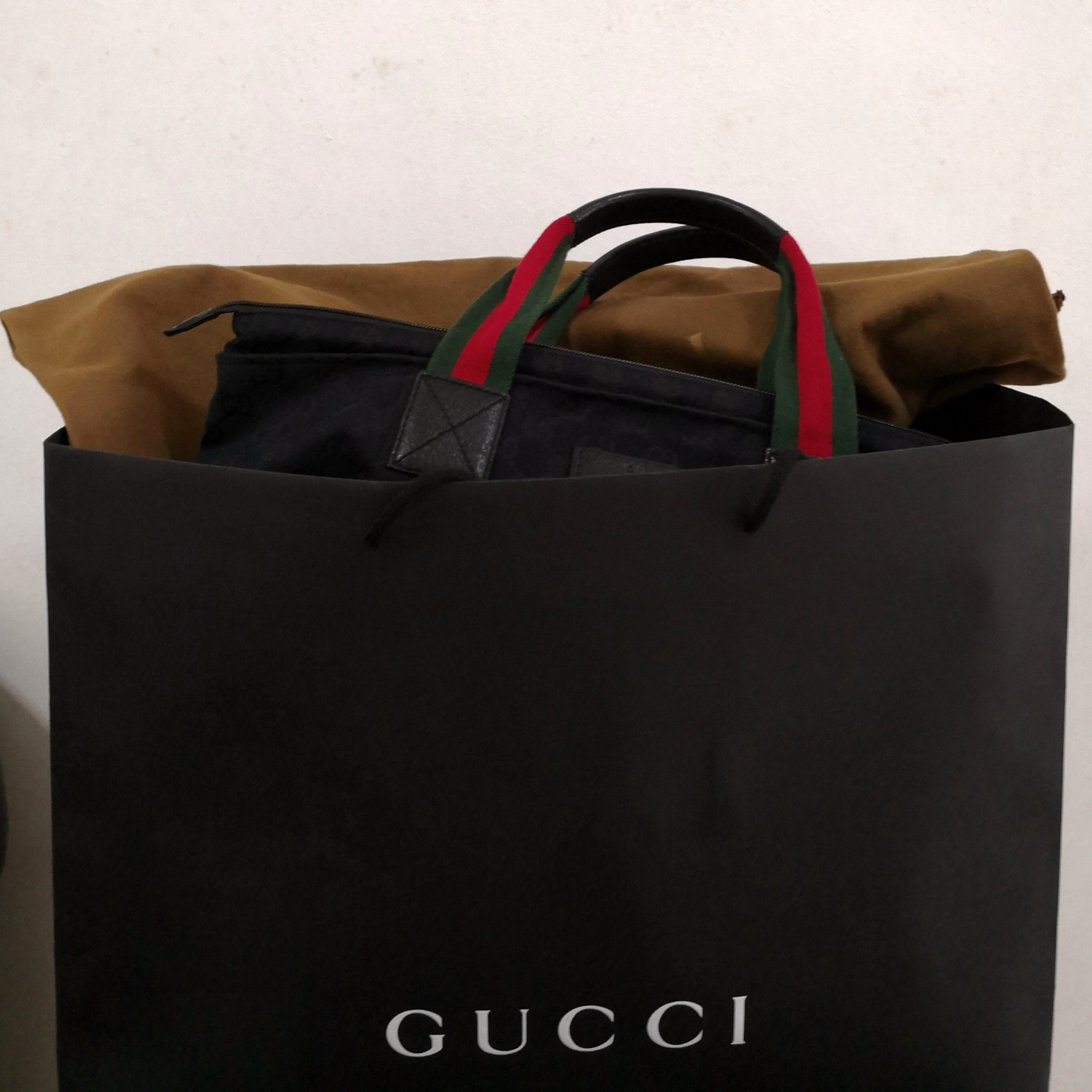 1dee364b5ddece Authentic GUCCI Tote Bag *Unisex*, Luxury, Bags & Wallets on Carousell