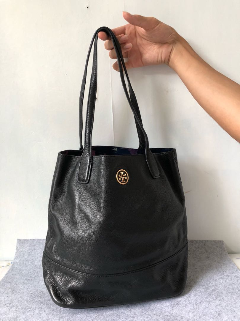 ee686db95b2 Authentic Tory Burch Shoulder Bag