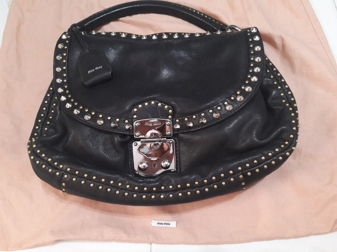Gorgeous Miu Miu Lambskin leather Hobo Rare find! 0f536328a82ac