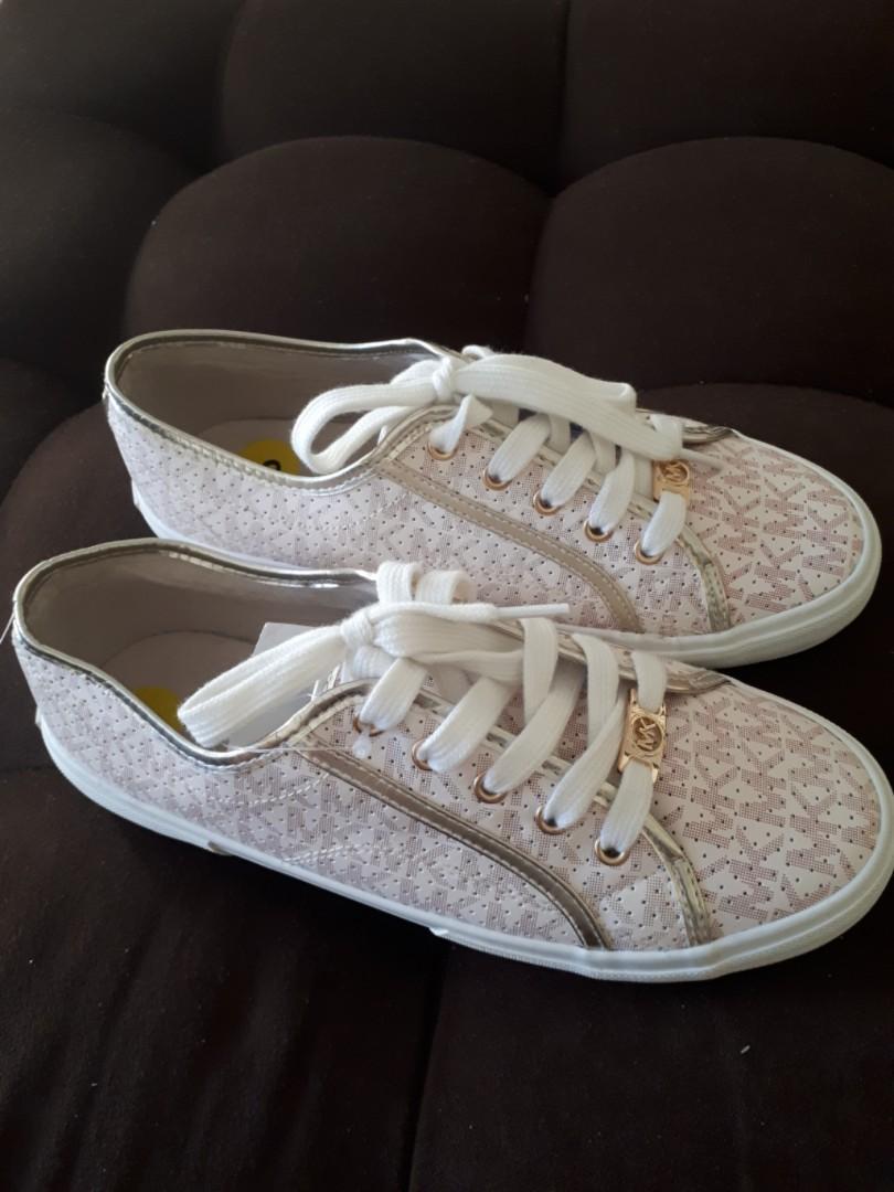 FREE 🚚 MK Rubber Shoes, Women's Fashion