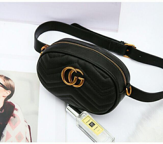 b97b10e27748 Ready Stock Gucci Sling / Pouch Bag Gred 3A, Women's Fashion, Bags &  Wallets on Carousell